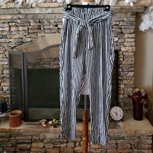 Outfitters Basics striped pants